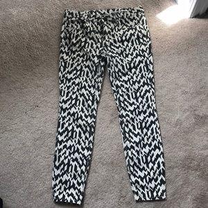 Zara Slim Fit Medium Rise Pants